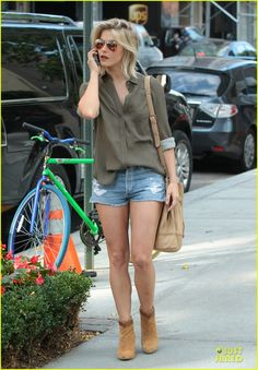 Julianne Hough's easy going style