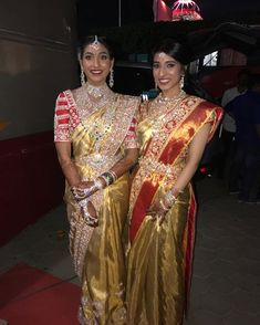 Gorgeous in Gold!Harika Kishen and Manisha Danam look spectacular in Abu Jani Sandeep Khosla Couture. South Indian Sarees, South Indian Bride, Indian Wedding Jewelry, Indian Bridal, Bridal Jewelry, Indian Jewelry, Saree With Belt, Bridal Jewellery Inspiration, Saree Wearing