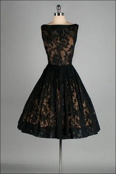 19. #Black Lace - 34 Stunning #Vintage Dresses You Are #Going to Want in Your…