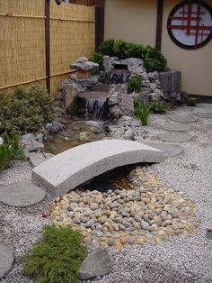 Arched Japanese stone bridge - Build a Japanese Garden UK - Garden Decor Japanese Garden Landscape, Small Japanese Garden, Japanese Garden Design, Japanese Gardens, Japanese Water, Modern Gardens, Japanese Garden Backyard, Zen Rock Garden, Japan Garden