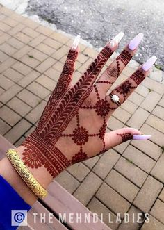 Celebrate this festival of love with unique and trendy karwa chauth mehndi designs for They will make your look stand-out on this festival. Floral Henna Designs, Back Hand Mehndi Designs, Latest Bridal Mehndi Designs, Full Hand Mehndi Designs, Henna Art Designs, Mehndi Designs 2018, Stylish Mehndi Designs, Mehndi Designs For Beginners, Mehndi Designs For Girls