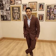 Multi-talented actor and host Karan Sharma sports suitings by Don & Julio in a recent episode of his show Beyond Acting for Republic tv. Shop for the exclusive collection at DnJ the Avenue, Parel, Mumbai. Best Friend Quotes Funny, Wardrobe Solutions, Luxury Fashion, Mens Fashion, Bespoke Tailoring, Tv Actors, Celebs, Celebrities, Exclusive Collection