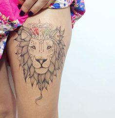 kadın üst bacak aslan dövmesi woman thigh lion tattoo