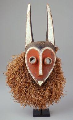 Mbambi Mask Democratic Republic of Congo 1900 AD Arte Tribal, Tribal Art, African Masks, African Art, Art Premier, Sculptures Céramiques, Art Africain, Masks Art, African Culture