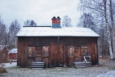Walk west of Skellefteå's centre and eventually you'll reach Bonnstan, a cluster of pretty wooden cottages built to accommodate worshippers visiting the nearby church. Wooden Cottage, Lappland, Tiny Homes, Cottages, Sweden, Centre, Old Things, Cold, Lights