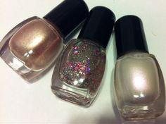 This set contains three miniature polishes . Each polish contains 5ml each .