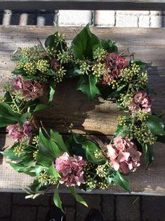 Dried Flower Wreaths, Dried Flowers, Creative Flower Arrangements, Floral Arrangements, Autumn Wreaths, Christmas Wreaths, Mothers Day Flower Pot, Artificial Boxwood Wreath, Outside Decorations