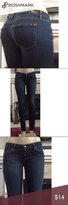 "PAIGE PREMIUM BOYFRIEND CANYON"" SKINNY JEANS 25 PAIGE PREMIUM ""BOYFRIEND CANYON"" WOMEN'S JEANS SIZE 25 INSEAM 32"" RISE 8"" LEG OPENING 6""  WAIST 14.5"" THESE JEANS HAVE A BROKEN ZIPPER AND WILL NEED TO BE REPAIRED.  SEE PICS. OTHERWISE IN EXCELLENT CONDITION  COMES FROM A SMOKE FREE HOME Paige Jeans Jeans Skinny"