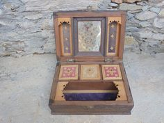Beautiful dressing jewelry box from Rajasthan, India. by Lallibhai on Etsy