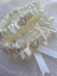 "The "" Nina Cream "" Cream/ Ivory Garter Set. Ships worldwide. Wedding Garters of distinction. https://www.etsy.com/listing/200565766/the-nina-cream-garter-set?ref=shop_home_active_15 #Garnize"