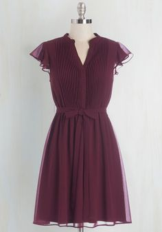 Vintage Dresses Thesis, That, and the Other Thing Dress. With your espresso sitting at one side of this cranberry dress and your thesaurus at the other, you delve into your dissertation. Retro Vintage Dresses, Retro Dress, Casual Dresses, Fashion Dresses, Dresses For Work, Purple Dress Casual, Dressy Attire, Burgundy Dress, Mod Dress