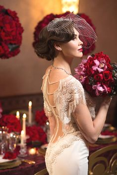 Step back in time with us – the sizzling to be exact. This luxurious era is re-introduced with a touch of old Hollywood glamour at the Roosevelt. Gatsby Wedding Dress, Making A Wedding Dress, Luxury Wedding Dress, Wedding Hats, Wedding Gowns, Wedding Ideas, Glamour Vintage, Glamour Hollywoodien, Hollywood Glamour Wedding