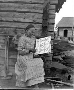 A Polar Bear's Tale: Käspaikka from Karelia, Finland - very interesting article about the special Finnish and Russian ritual embroidery Old Photos, Vintage Photos, History Of Finland, Sculpture Textile, Textiles, Russian Folk, Embroidery Techniques, Embroidery Ideas, My Heritage