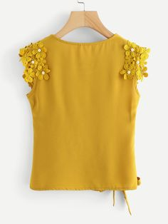 SheIn offers Knot Side Pearl Beaded Detail Top & more to fit your fashionable needs. Yellow Clothes, Outfits Mujer, Lace Tank, Blouse Styles, Trendy Dresses, Summer Tops, Simple Outfits, Fashion Outfits, Womens Fashion