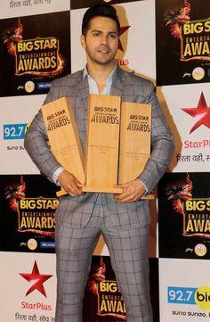 Varun Dhawan at BIG Star Entertainment Awards 2015. #Bollywood #Fashion #Style #Handsome