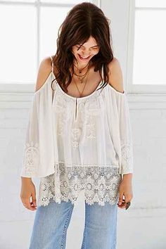 FREE SHIPPING AND FREE GREAT GATSBY HEADBAND BY FREE PEOPLE!! Image of Anthropologie antique lace bottom with off sholders