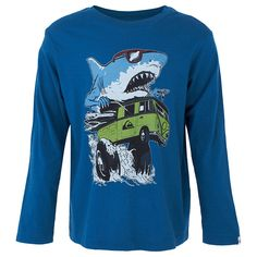 This teal shark attach graphic print tee by Quicksilver is a great staple garment for boys.