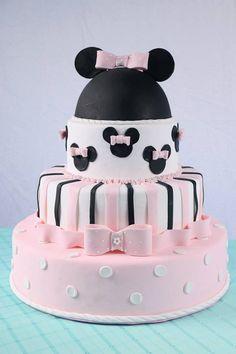 Tartas, Galletas Decoradas y Cupcakes: Miska Mouska Mickey Mouse! Bolo Do Mickey Mouse, Mickey Y Minnie, Minnie Mouse Cake, Baby Cakes, Girl Cakes, Bolo Fake Minie, Poke Cakes, Cupcake Cakes, Chip Y Dale