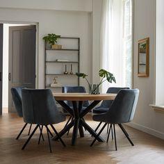 Modern Dining Table, Dining Room Table, Table And Chairs, Dining Chairs, Living Room Shelves, Living Room Decor, Interior Concept, Interior Design, Minimalist Dining Room
