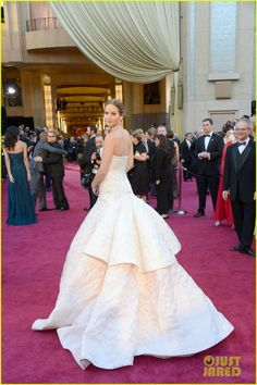Jennifer Lawrence in Christian Dior Haute Couture 2013 Oscars #celebrities #celebrityfashion #redcarpet