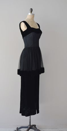 Black dress, with net overskirt detail, 1940s Outfits, 1940s Dresses, Vintage Dresses, Vintage Outfits, Vintage Clothing, Flapper Dresses, Prom Gowns, Homecoming Dresses, Ball Gowns