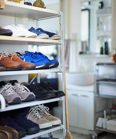 じぶんで編集する、コンパクトな団地くらし。 | MUJI SUPPORT 事例集 | 無印良品 Interior Concept, Muji, Shoe Rack, Home, Shoe Racks, Ad Home, Homes, Haus, Houses