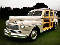 1948 Mercury Woodie Wagon, love the dark wood beautiful Retro Cars, Vintage Cars, Ford Motor Company, Woody Wagon, Mercury Cars, Ford Lincoln Mercury, Unique Cars, Station Wagon, Old Trucks