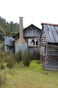 Adamsfield: an abandoned mining town in Southwest Tasmania. Old Abandoned Buildings, Abandoned Castles, Old Buildings, Abandoned Places, Australian Homes, Australian Bush, Ghost Towns, Western Australia, Belle Photo