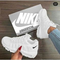 Nike Shoes OFF!> nike shoes and sneakers image Moda Sneakers, Cute Sneakers, Sneakers Mode, Sneakers Fashion, Fashion Shoes, Shoes Sneakers, Fashion Outfits, Women's Shoes, Running Sneakers