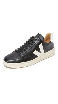V-10 Bastille Leather SneakerVeja Uv86vKM