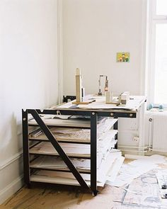 Working Table - Kristoffer Sundin I really like this work desk and I don't know why. Thinking of building your own workbench but aren't quite distinct where to start? In this post, we've compiled 11 DIY workbench ideas that you can use in your feign area, Art Studio Storage, Art Studio Organization, Art Storage, Table Storage, Art Studio At Home, Studio Room, Studio Spaces, Rangement Art, Table Atelier
