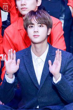 •Kim Seokjin• I love his fingers. They are so precious to me!!