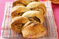 Put these cheesy vegemite scrolls into the school lunch-box as an exciting alternative to the sandwich.