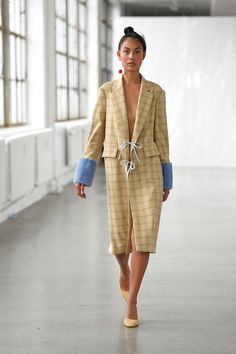 Catwalk photos and all the looks from Saks Potts Spring/Summer 2017 Ready-To-Wear Copenhagen Fashion Week Spring Fashion 2017, New Fashion, Trendy Fashion, Runway Fashion, Fashion Show, Vintage Fashion, Fashion Design, Vogue Fashion, Outfit Essentials
