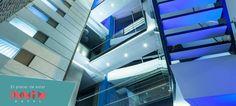 ¡Mira hacia arriba, estructura moderna y fresca, innovadora y ecointeligente!