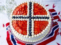 Norwegian Cuisine, Norwegian Food, Norwegian Recipes, Norway Food, Scandinavian Food, Cupcakes, Snacks, Cream Cake, Norway
