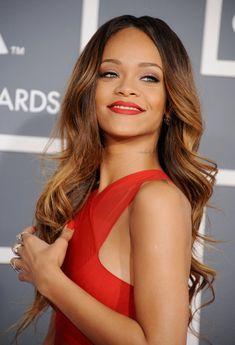 Rihanna @ grammy 2013