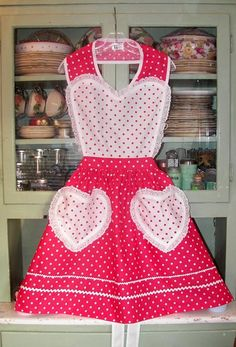 Aprons, Old Fashioned apron in cute apron pattern with Heart.  Pink polka dot apron at www.stitchthrutime.com