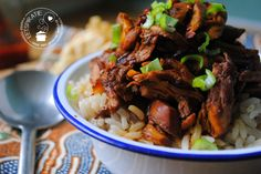 Indo pulled chicken | Eetspiratie Pulled Chicken, Slow Cooker Recipes, Asian Recipes, Nom Nom, Bbq, Lunch, Meat, Dinner, Slow Cooking