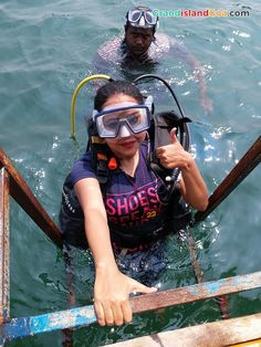 Enjoy half-day tour of Grand island in Goa. Trip Includes snorkeling, dolphin, fishing, sightseeing and lunch on the monkey beach. Padi Diving, Scuba Diving, Goa Travel, Weather In India, Backpacking India, Best Snorkeling, Grand Island, Scuba Girl, Diving Course