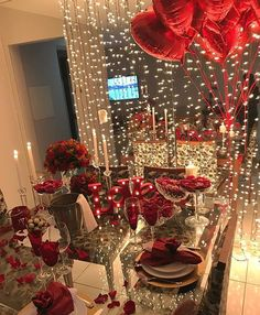 Valentines Gift, Her and His gift Birthday Room Decorations, Valentines Day Decorations, Valentines Diy, Valentines Recipes, Romantic Dinner Tables, Romantic Dinners, Romantic Dinner Setting, Comment Dresser Une Table, Romantic Room Surprise
