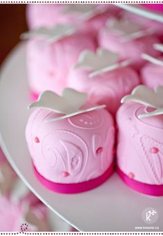 mini butterfly cakes