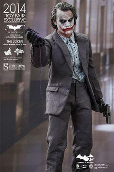 902210-the-joker-bank-robber-version-2-0-003.jpg (400×600)