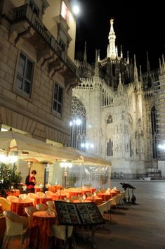 cafes of Europe | When in Milan, try Italy's Fabulous Apertivo | EuropeUpClose.com