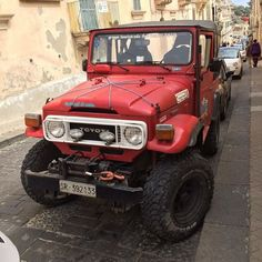 Do you live in #italy? Because this FJ40 was seen in #noto #sicily. All kinds of #interesting items on this #Toyota #landcruiser! #fj45 #fj60 #fj55 #fj62 #bj40 #bj42 #hj47 #dolomites #pizzacutters #literally #yotaporn #yotanation #landcruisers #4wdto #4wdtoyotaowner #subscribe http://ift.tt/1TD6n9E