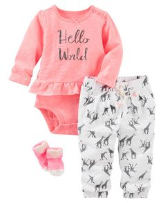 In ruffled pink and soft giraffe print pants, she'll make her big debut in style. Tiny little heart socks make this style extra lovable!