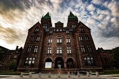 The dark history of the H. Richardson Complex is worth mentioning. The sinister story behind this popular Buffalo hotel will give you chills! Wonderful Places, Great Places, Places To Go, Creepy History, Haunted America, Ghost Sightings, Buffalo New York, Creepy Stories, Famous Architects