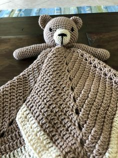 Crochet Bear Free Lovey Blanket Security Bear - So many totally ADORABLE lovey crochet patterns for your baby to use as a security blanket. They make wonderful handmade baby shower gifts too! Crochet Lovey Free Pattern, Crochet Bear Patterns, Baby Afghan Crochet, Crochet Bebe, Crochet Bunny, Afghan Patterns, Crochet Security Blanket, Lovey Blanket, Baby Security Blanket