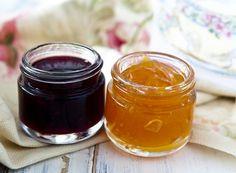 Geleia de Damasco  10 damascos secos picados    2 xícaras (chá) de água    2/3 de xícara (chá) de açúcar cristal (para ficar mais leve usar açucar demerara, frutose ou açucar mascavo)