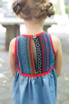 THE BLUE RIDGE DRESS PATTERN SWAP | True Bias - good back closure for a little girls dress